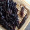 そこに稲子(いなご)の佃煮がありました